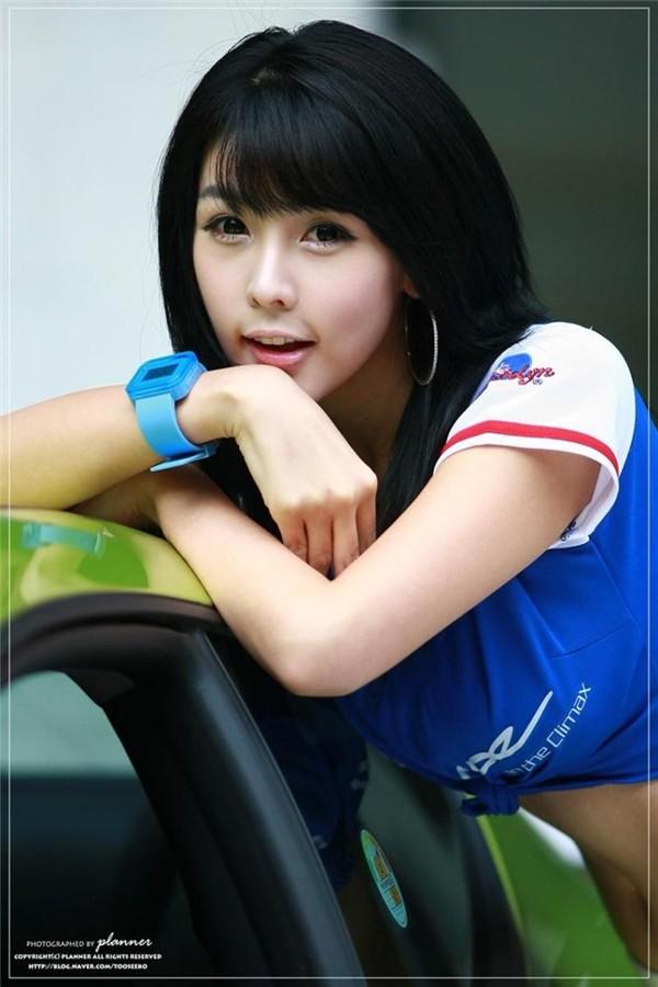 韩国车模李智友11