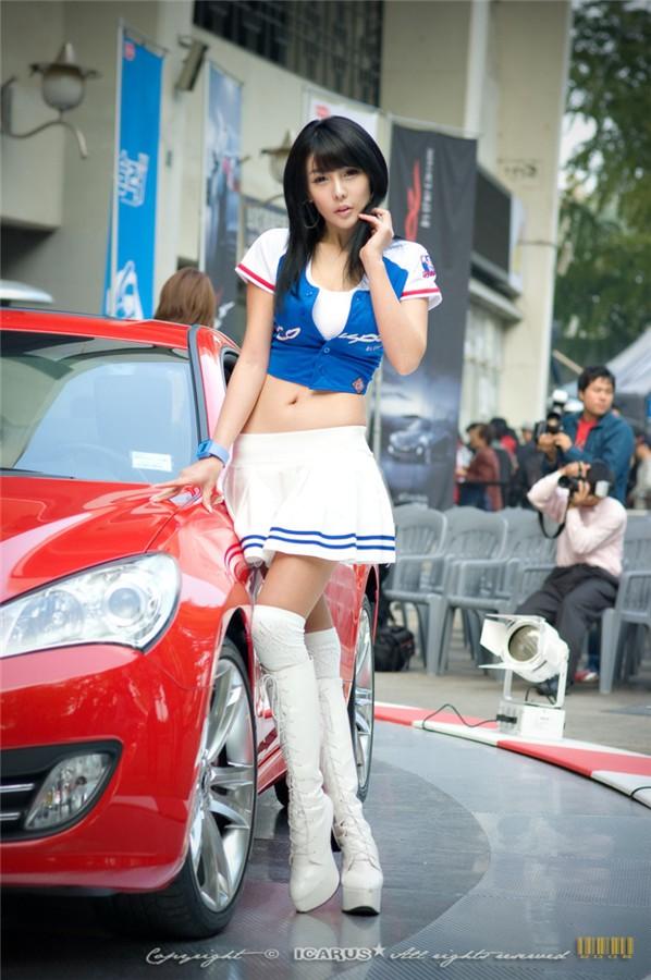 韩国车模李智友16