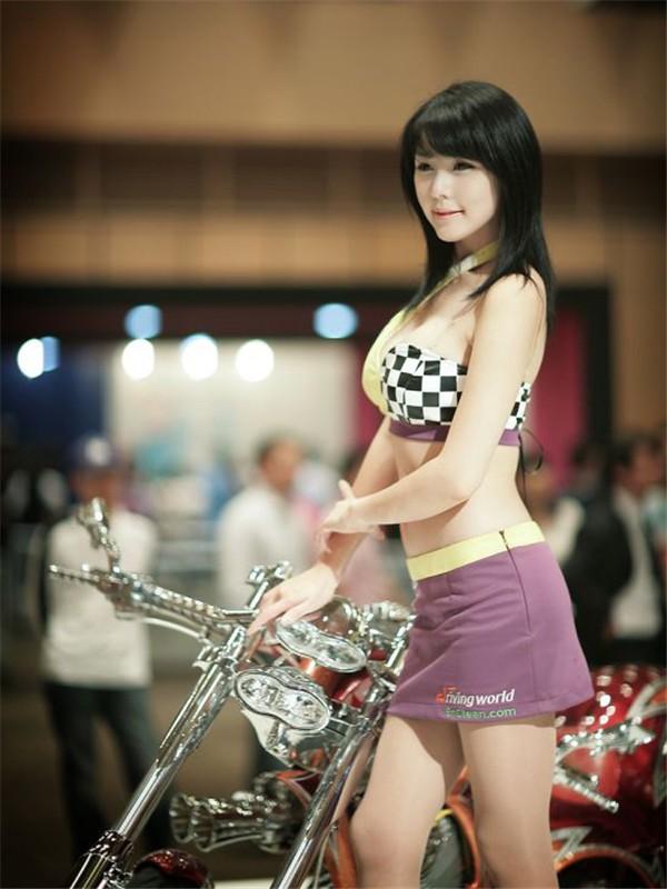 韩国车模李智友49