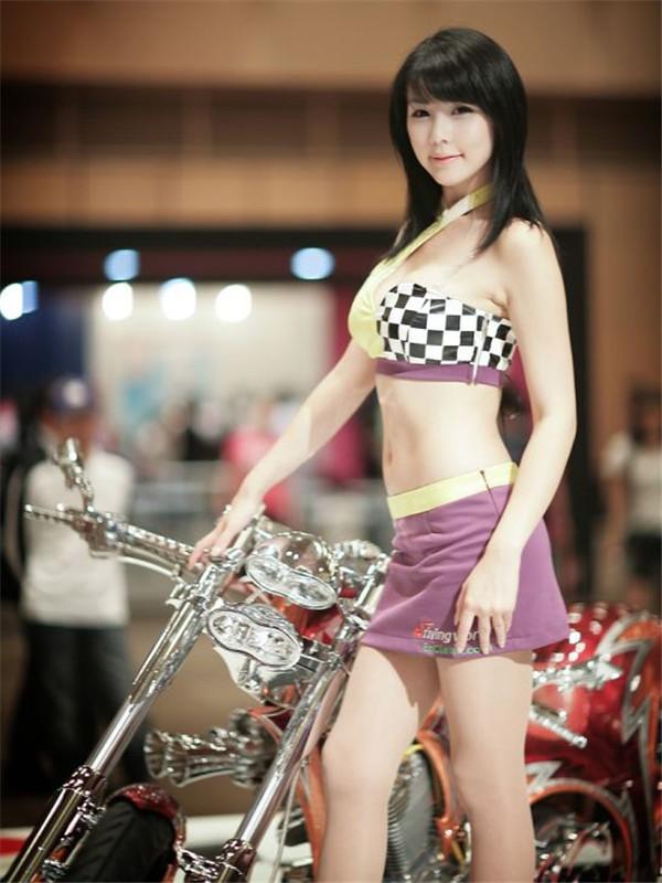 韩国车模李智友48