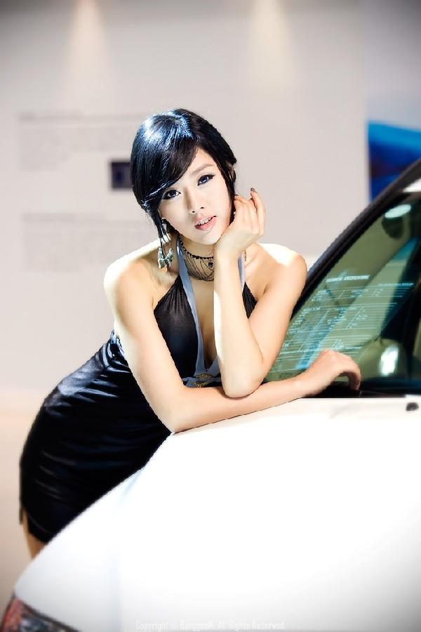 韩国车模黄美姬10