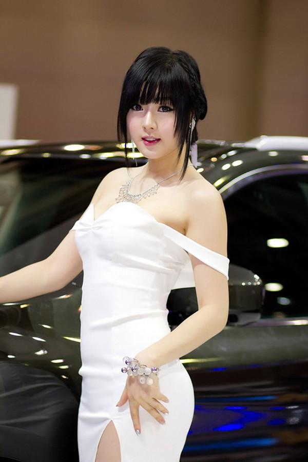 韩国车模黄美姬06