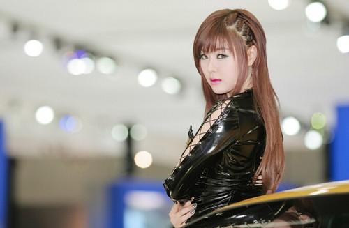 韩国车模黄美姬14