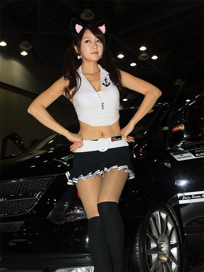 韩国车模韩彩衣09