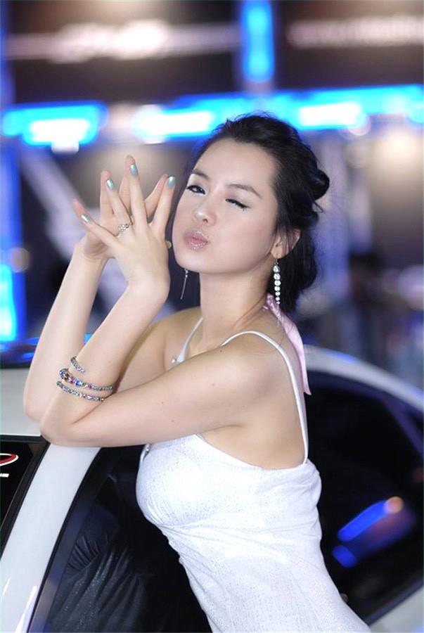 韩国车模林智慧19