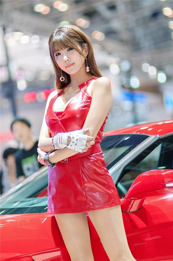 韩国车模许允美09