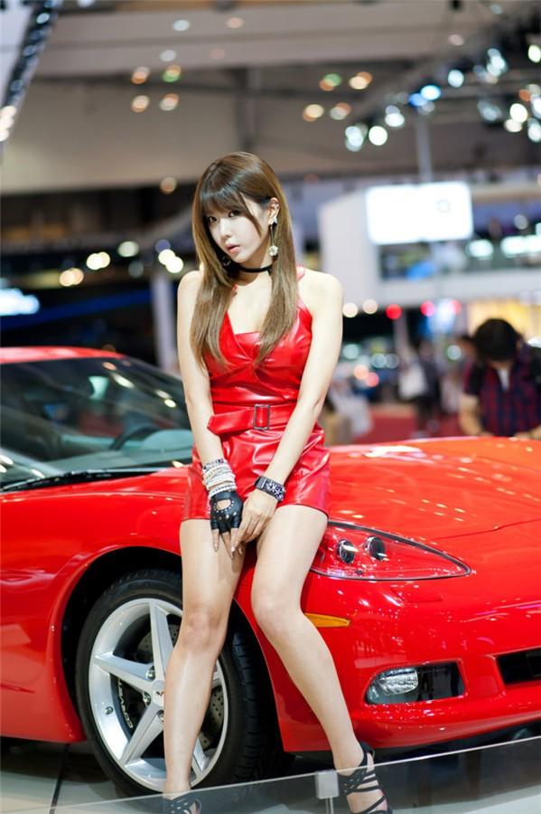 韩国车模许允美11