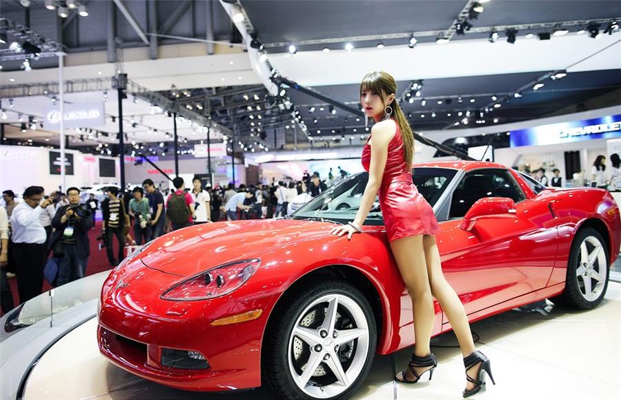 韩国车模许允美18