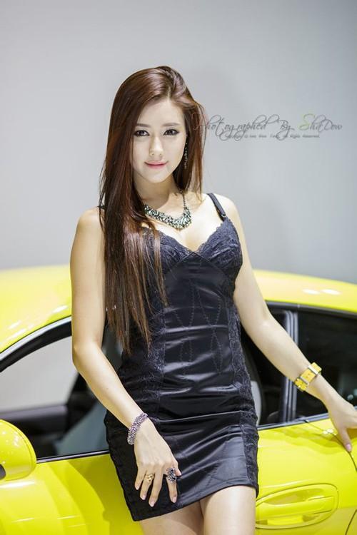 韩国车模金河律12