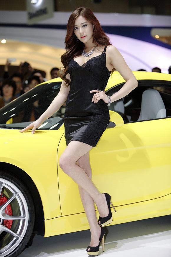 韩国车模金河律16