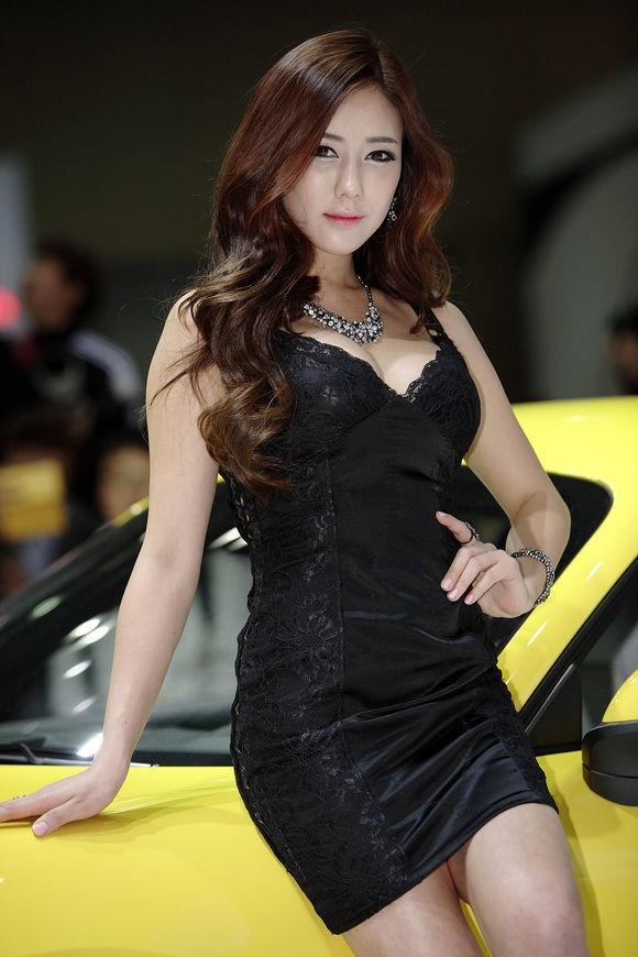 韩国车模金河律01