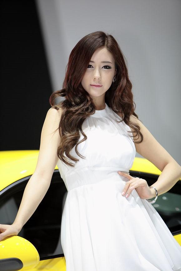 韩国车模金河律23