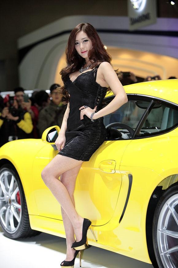 韩国车模金河律10