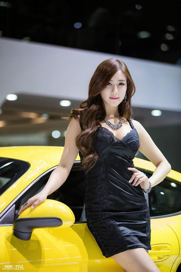 韩国车模金河律09