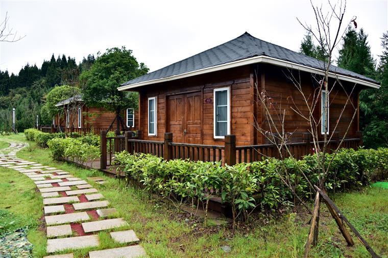 如果说之前的婺源服务区还不如说成度假村,那么这个冷水服务区新适合中式美式还是别墅图片